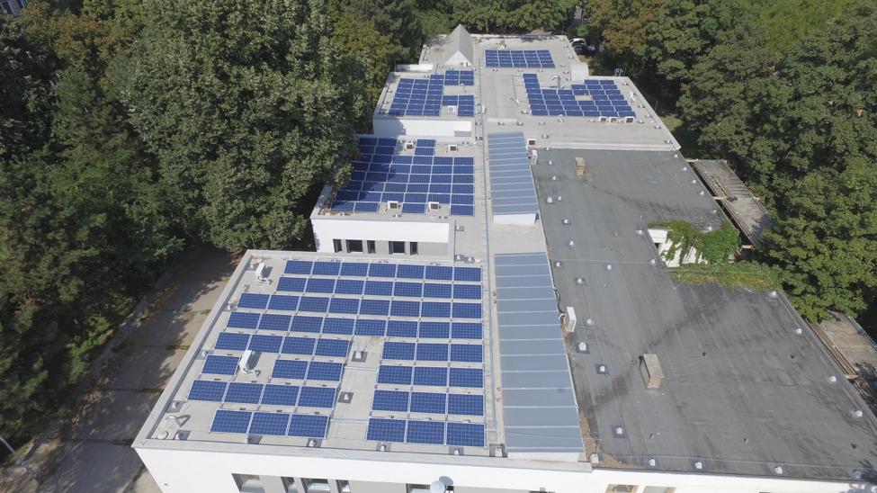 Opera Solar – Rólunk